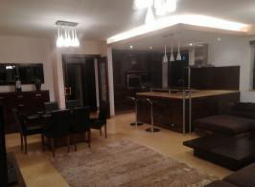 For Rent 4 Rooms Victorie Titulescu Banu Manta Parking New building