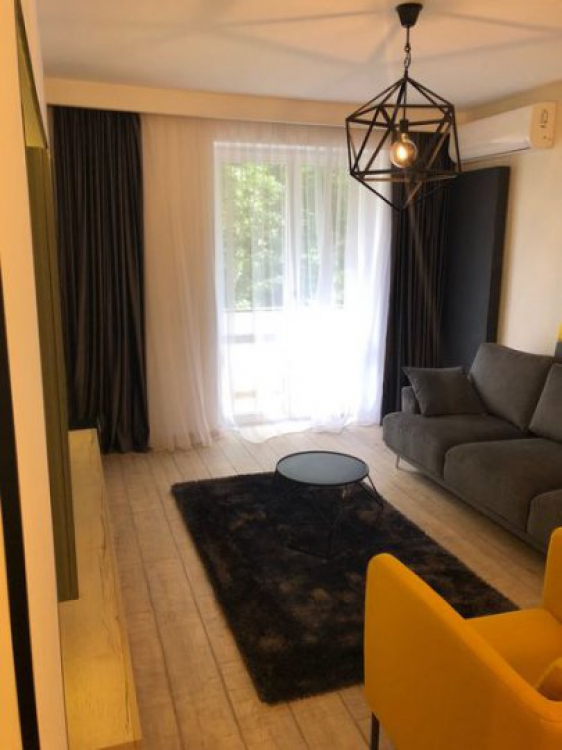 For Rent 2 rooms Universitate Unirii Romana Parking